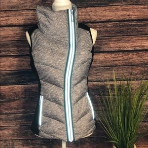 Gray/black puffer vest, medium